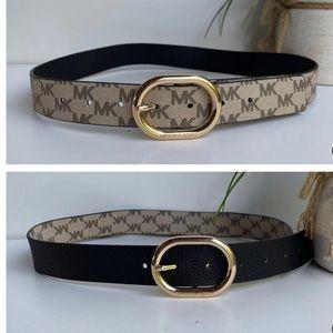 Michael Kors🍁🍂reversible belt size Large